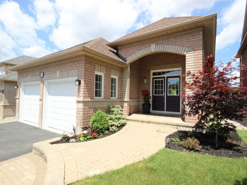 house sold in whitby comfree 699503