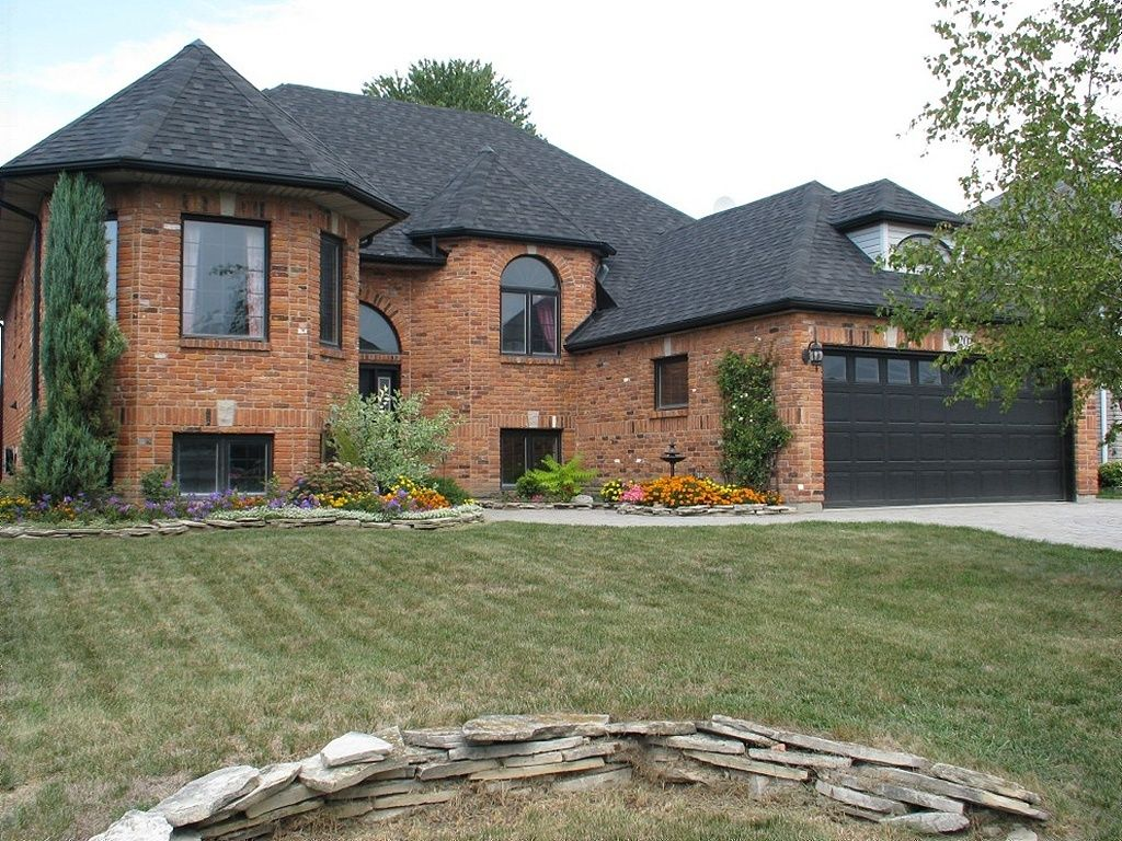 raised bungalow sold in windsor comfree 264261
