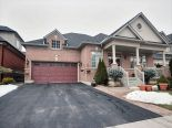 Bungalow in Woodbridge, Toronto / York Region / Durham