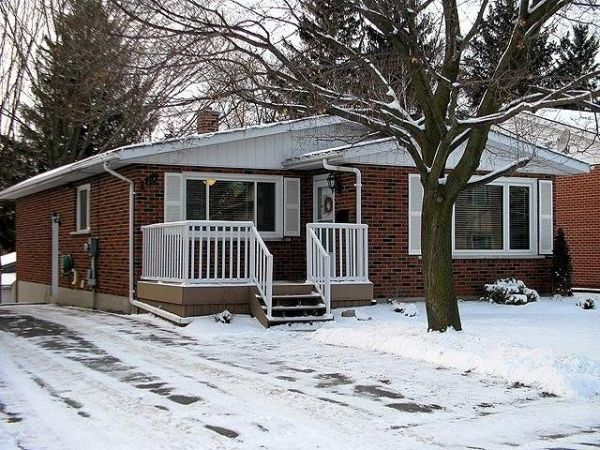 Raised bungalow sold in woodstock comfree 225793 for Homes for sale in woodstock