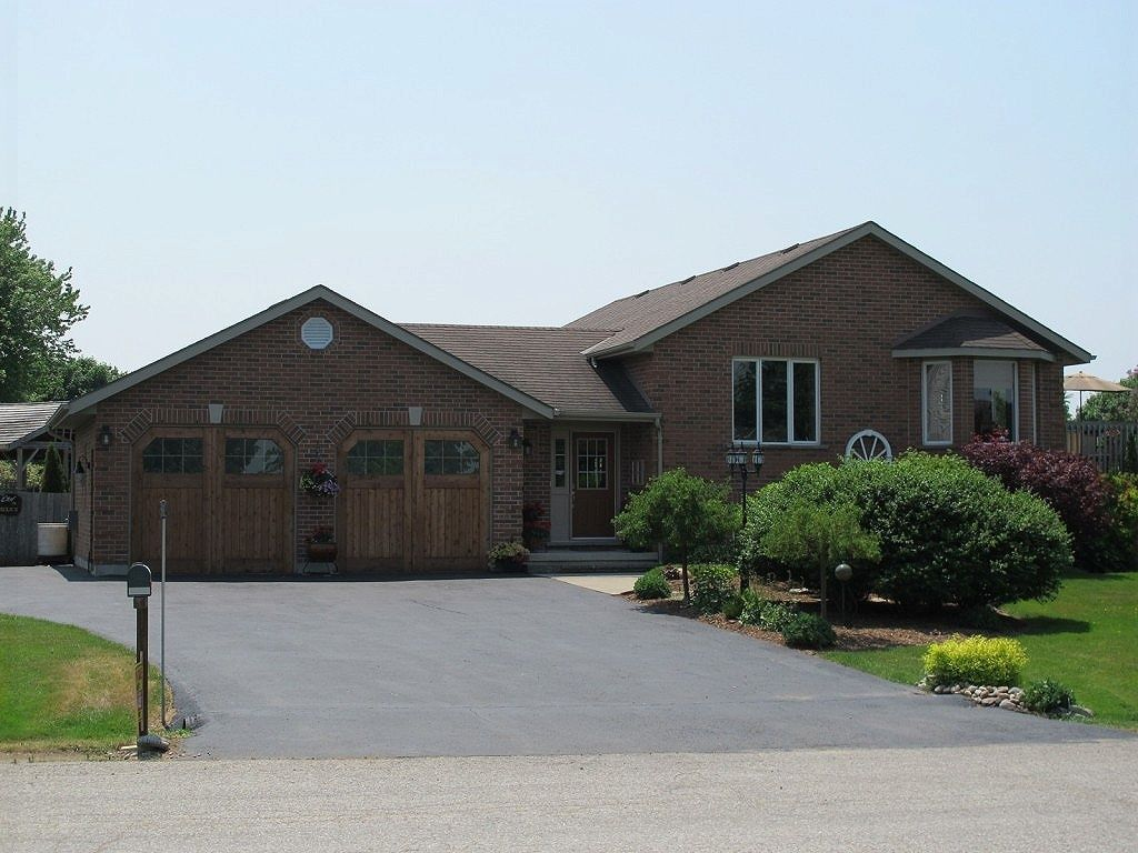 Raised bungalow sold in woodstock comfree 336560 for Homes for sale in woodstock