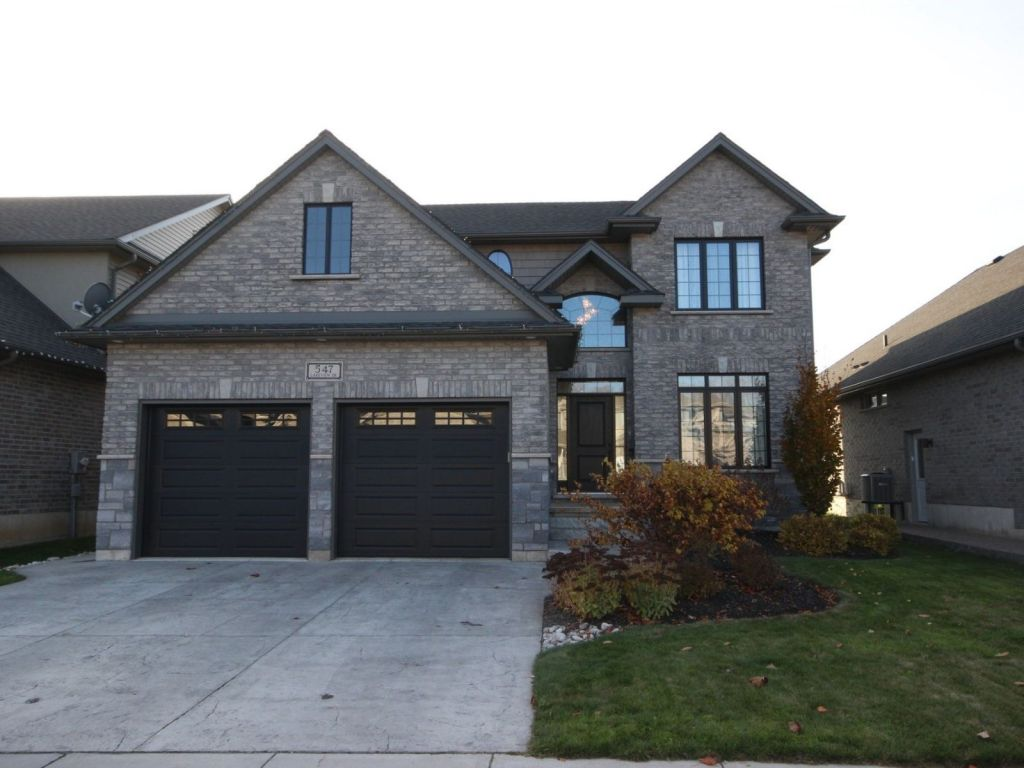 House for sale in woodstock 547 lakeview drive comfree for Homes for sale in woodstock