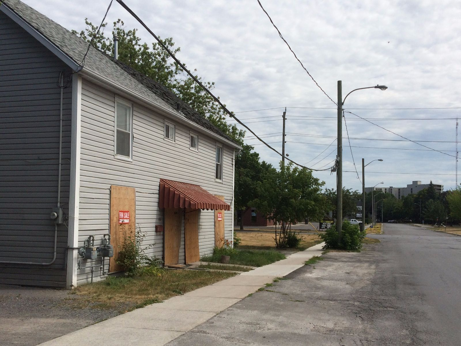 house for sale in belleville 83 pinnacle street south comfree 711848