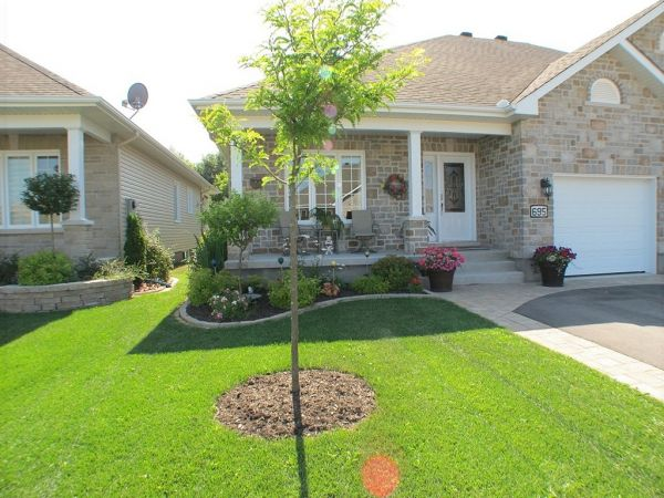 Semi-detached for sale sold Casselman