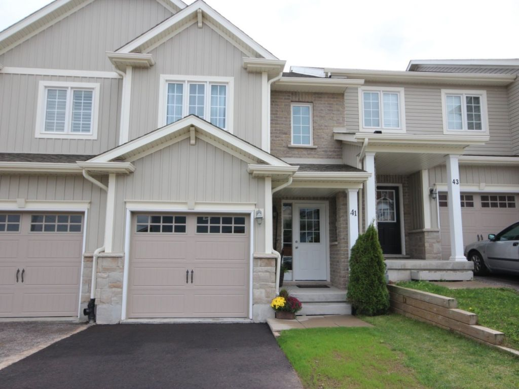 house sold in kitchener comfree 645475
