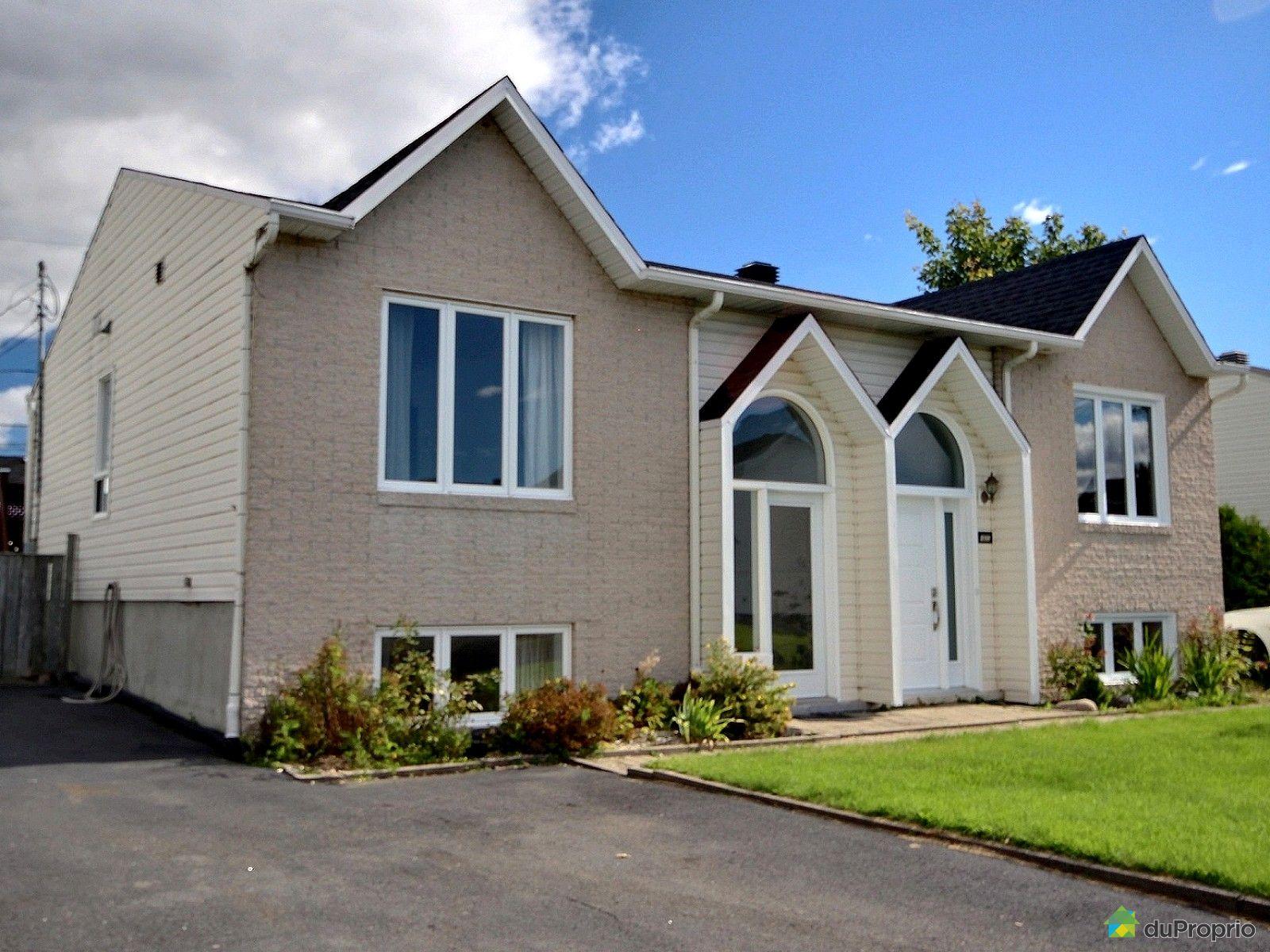 house sold in st mile duproprio 611661. Black Bedroom Furniture Sets. Home Design Ideas