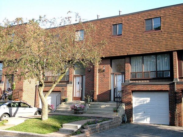 house sold in thornhill comfree 198601