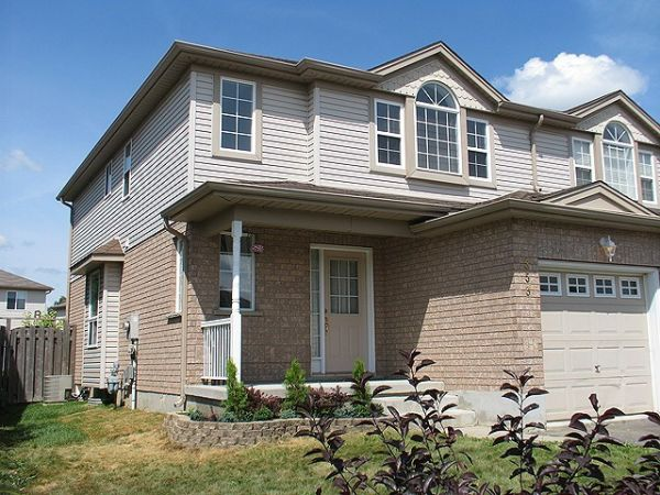 house sold in waterloo comfree 269111