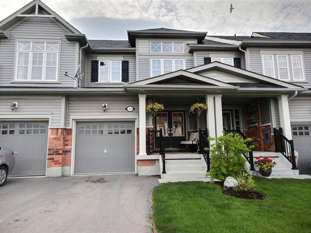 house sold in whitby comfree 611049