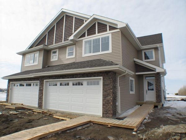 New Home Builders In Beaumont Alberta