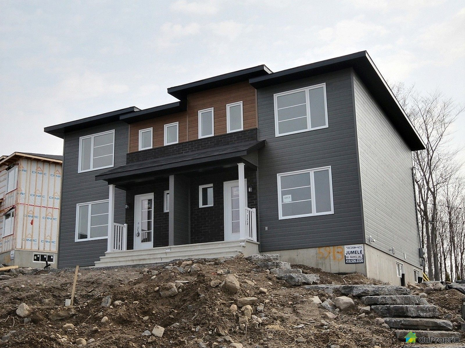 newly built house sold in st mile duproprio 613513. Black Bedroom Furniture Sets. Home Design Ideas