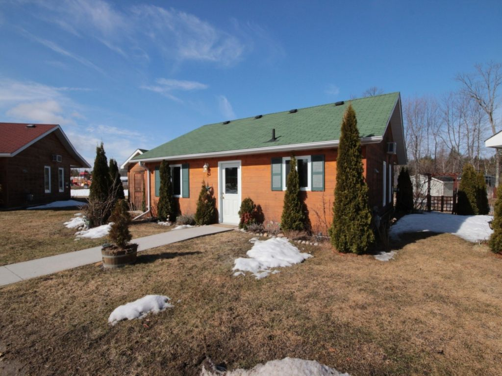Cottage For Sale In Wasaga Beach Ontario