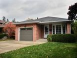 Bungalow in Burlington, Hamilton / Burlington / Niagara