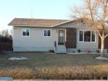 Bungalow in Ile des Ch�nes, East Manitoba - South of #1