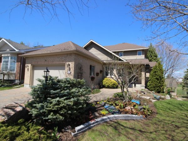 house sold in kanata comfree 698021