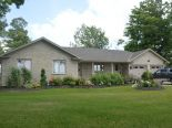Bungalow in Mount Forest, Dufferin / Grey Bruce / Well. North / Huron