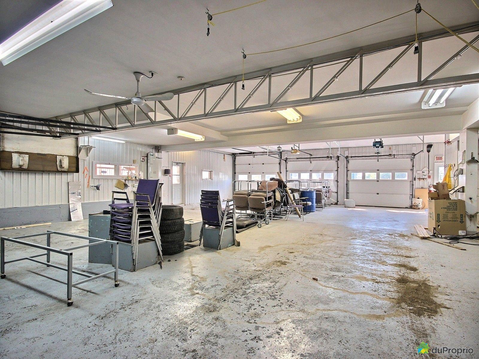 Commercial appartement vendre st joseph de beauce 875 avenue sainte th r se immobilier - Commerce garage a vendre ...