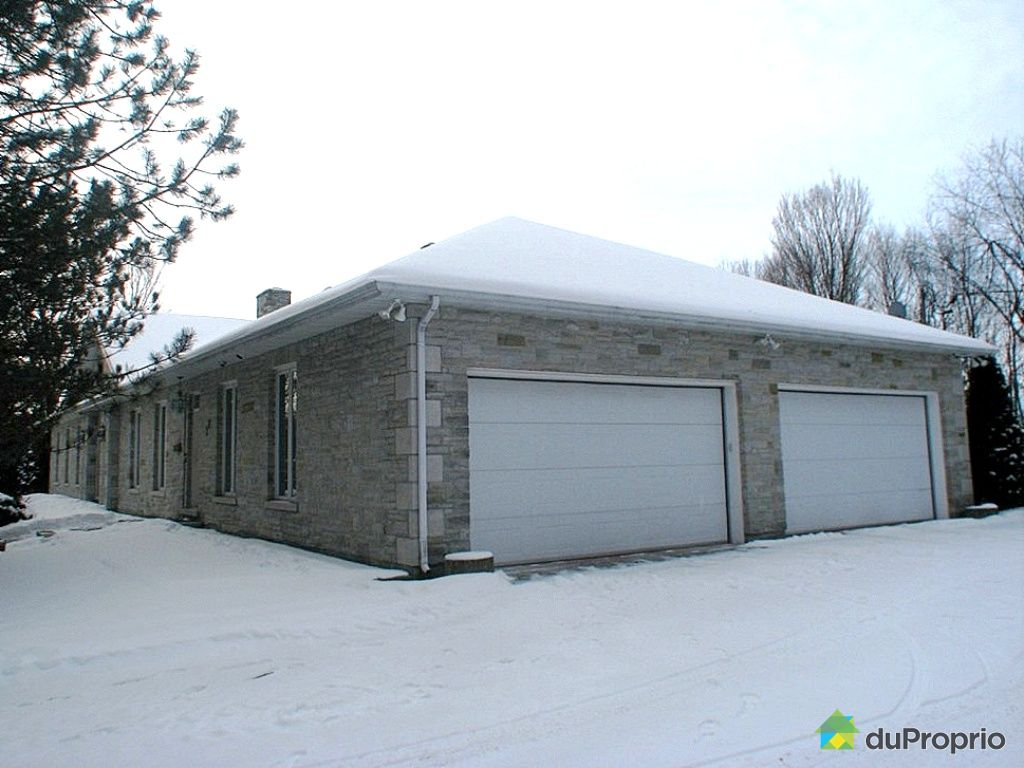 House sold in aylmer duproprio 228827 for Large garage for sale