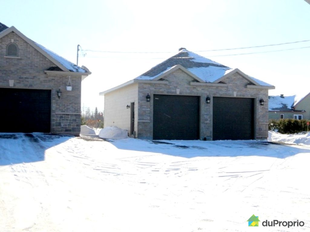 House for sale in st gilles 113 rue bouffard duproprio for Garage st gilles