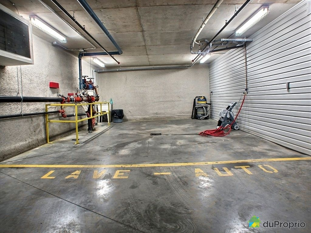 Loft for sale in chomedey 214 5101 avenue eliot for Garage with loft for sale