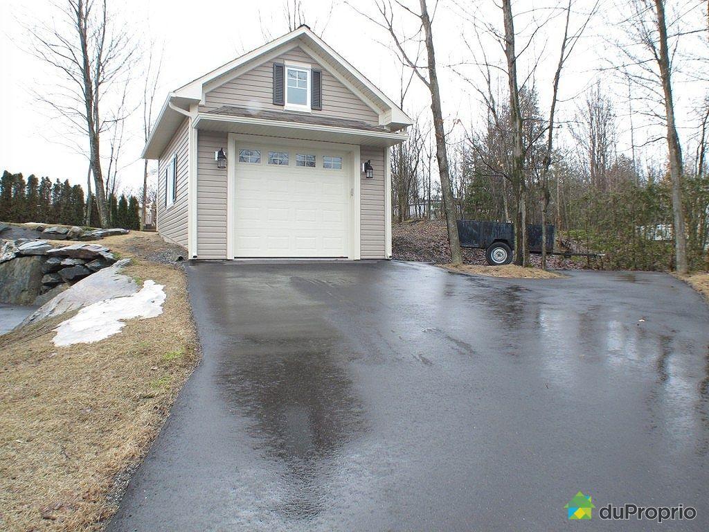 bungalow sur lev vendu granby immobilier qu bec duproprio 413928. Black Bedroom Furniture Sets. Home Design Ideas
