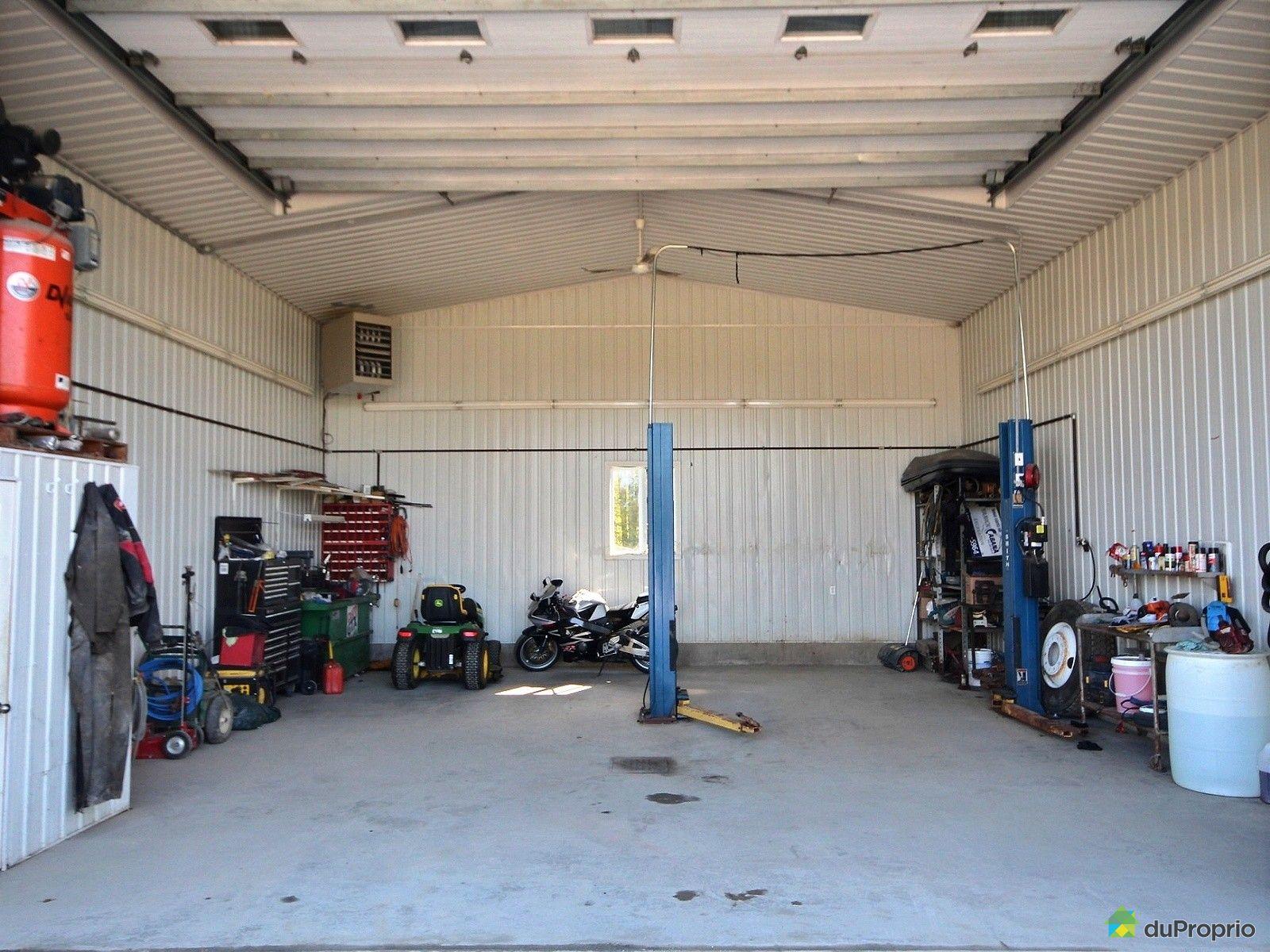 Maison vendre valcourt 5804 rue des grandes prairies immobilier qu bec duproprio 645655 - Equipement de garage a vendre ...
