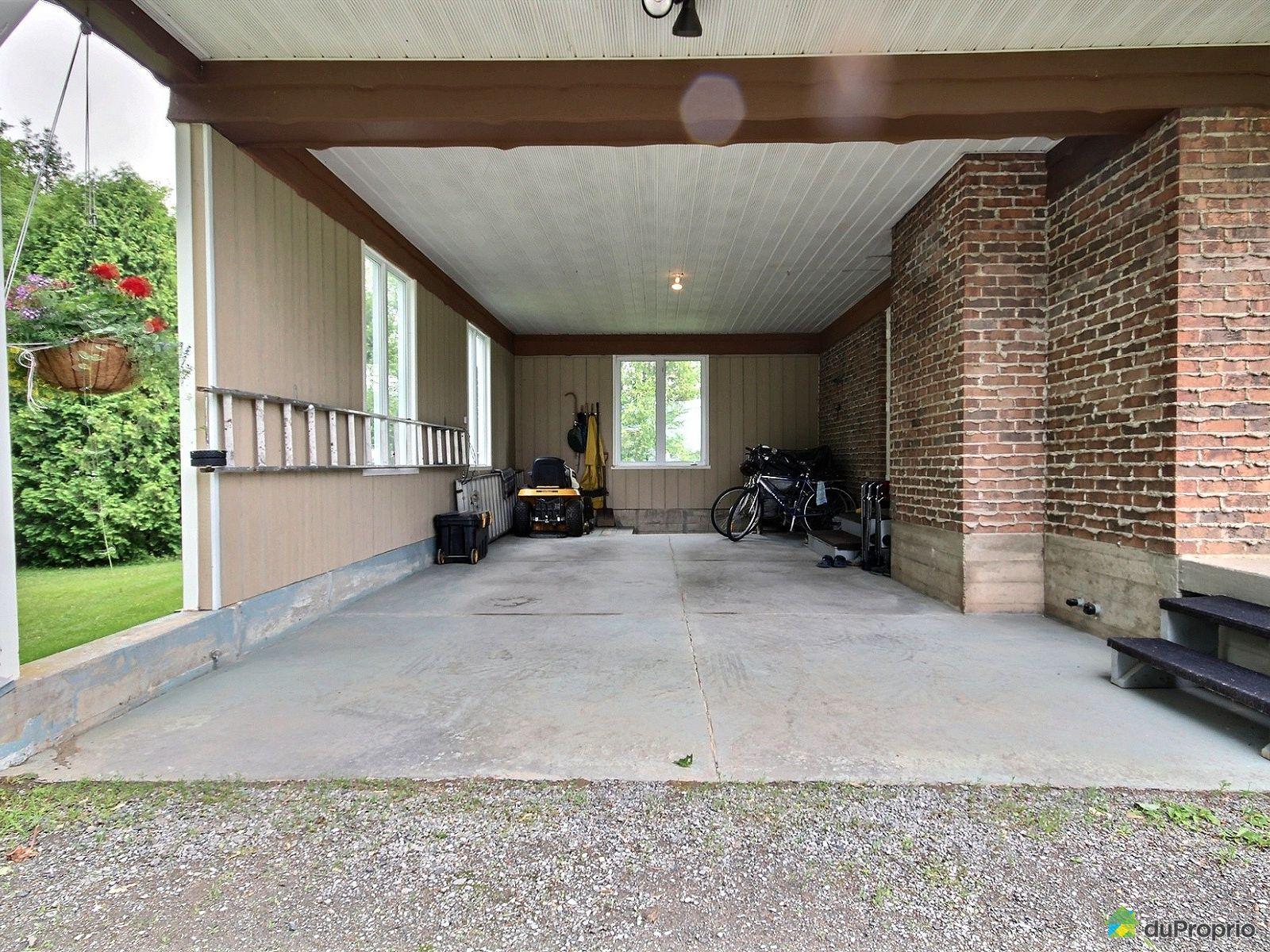 Maison vendre st gilles 131 route 218 est immobilier for Garage st gilles