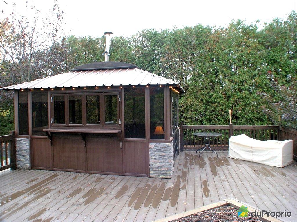 gazebo en bois a vendre usage. Black Bedroom Furniture Sets. Home Design Ideas
