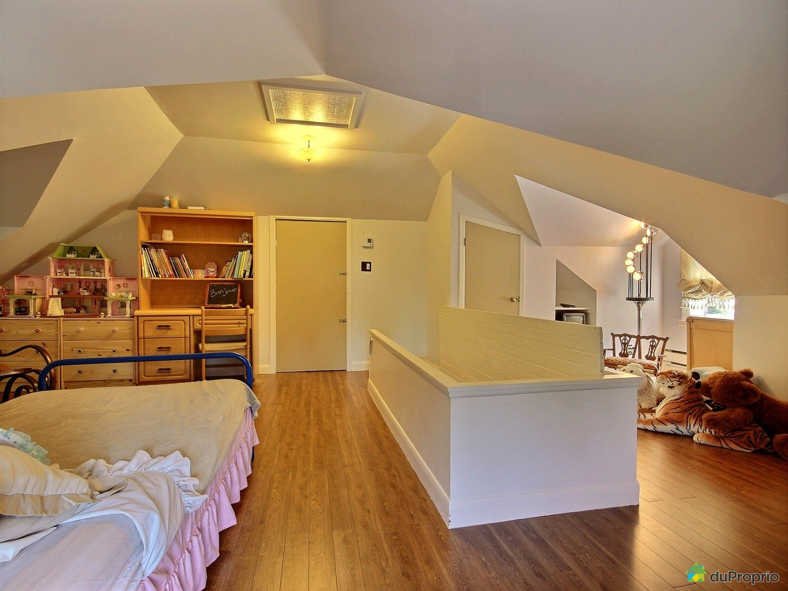 maison vendu charny immobilier qu bec duproprio 509036. Black Bedroom Furniture Sets. Home Design Ideas