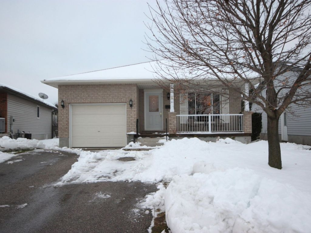 house for sale in aylmer 6 rebecca drive comfree 727976
