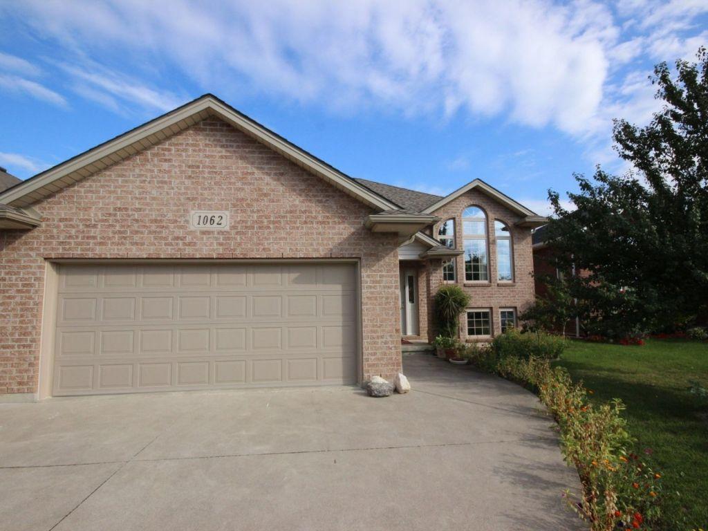 Garage Door monarch garage doors photos : 1062 Monarch Meadows Drive, Belle River for sale | ComFree