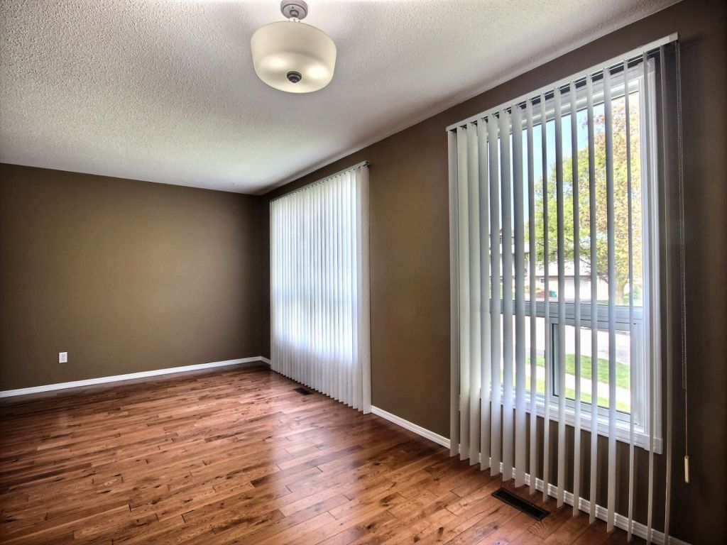 10 Coach Hill Drive Kitchener For Sale Comfree