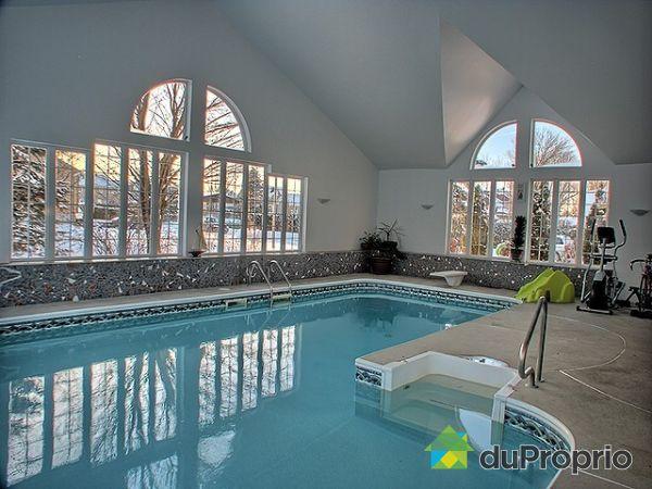 Maison a vendre avec piscine interieure quebec for Vente piscine montreal