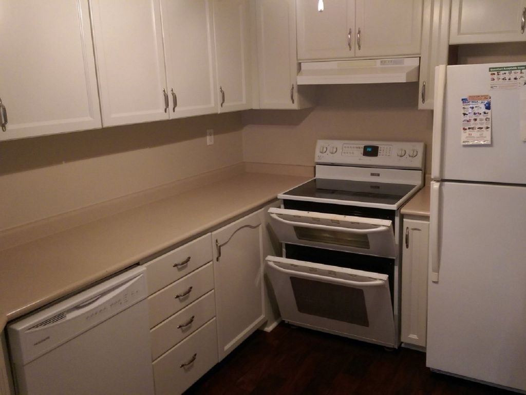 Kitchen Cabinets Burlington Ontario 37 2022 Atkinson Drive Burlington For Sale Comfree