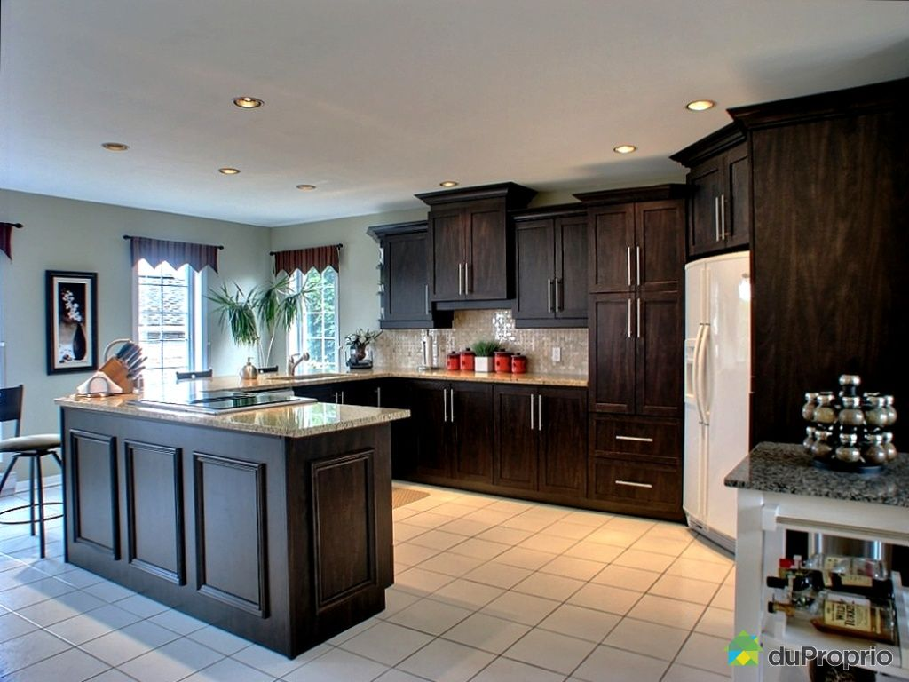 House sold in gatineau duproprio 264219 for Armoire cuisine gatineau