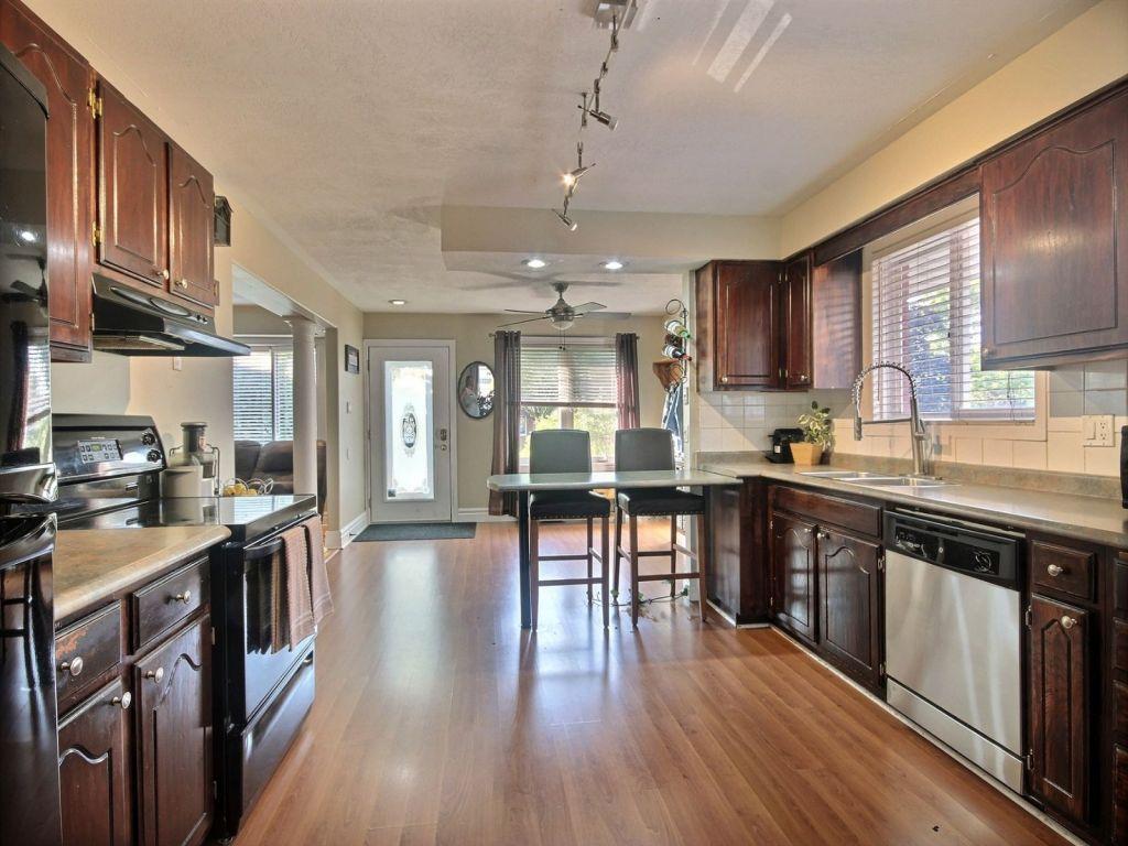 76 dunsmere drive kitchener for sale comfree
