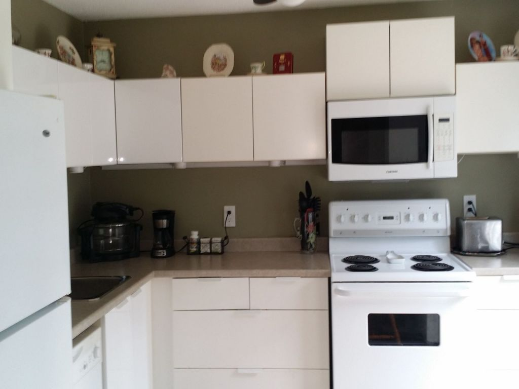 Kitchen Cabinets St Catharines 22 Oakmeadow Place St Catharines For Sale Comfree