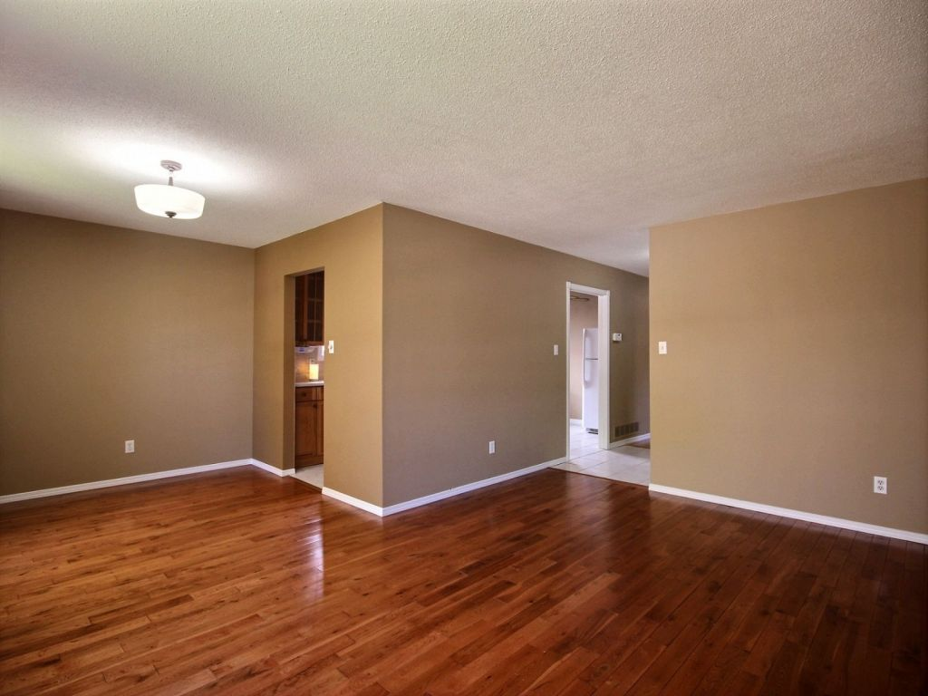 The Source Flooring Kitchener 10 Coach Hill Drive Kitchener For Sale Comfree