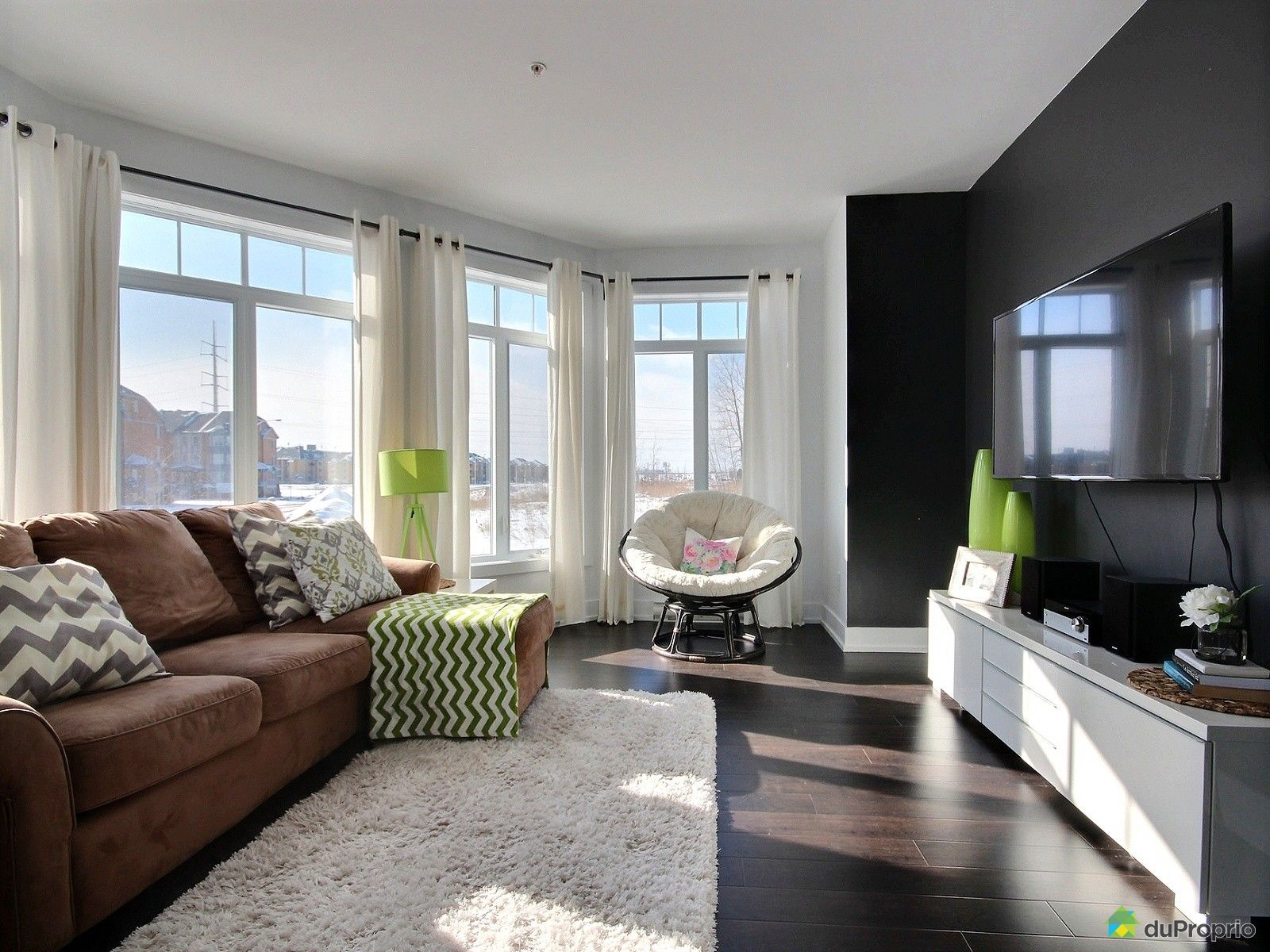 Condo for sale in brossard 101 6250 boulevard chevrier for Living room 6250 hollywood blvd