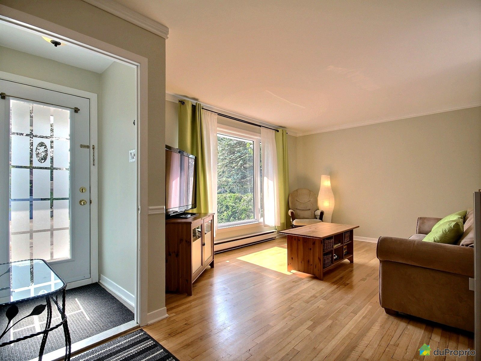 House sold in blainville duproprio 492296 for Living room 4x5