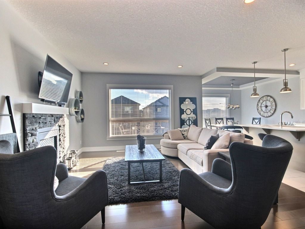 1718 52A Street SW Edmonton