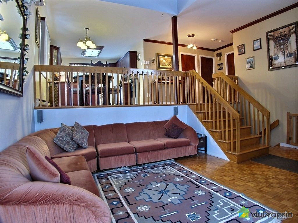 House sold in montreal duproprio 477255 for Interieur etablissement de riviere des prairies