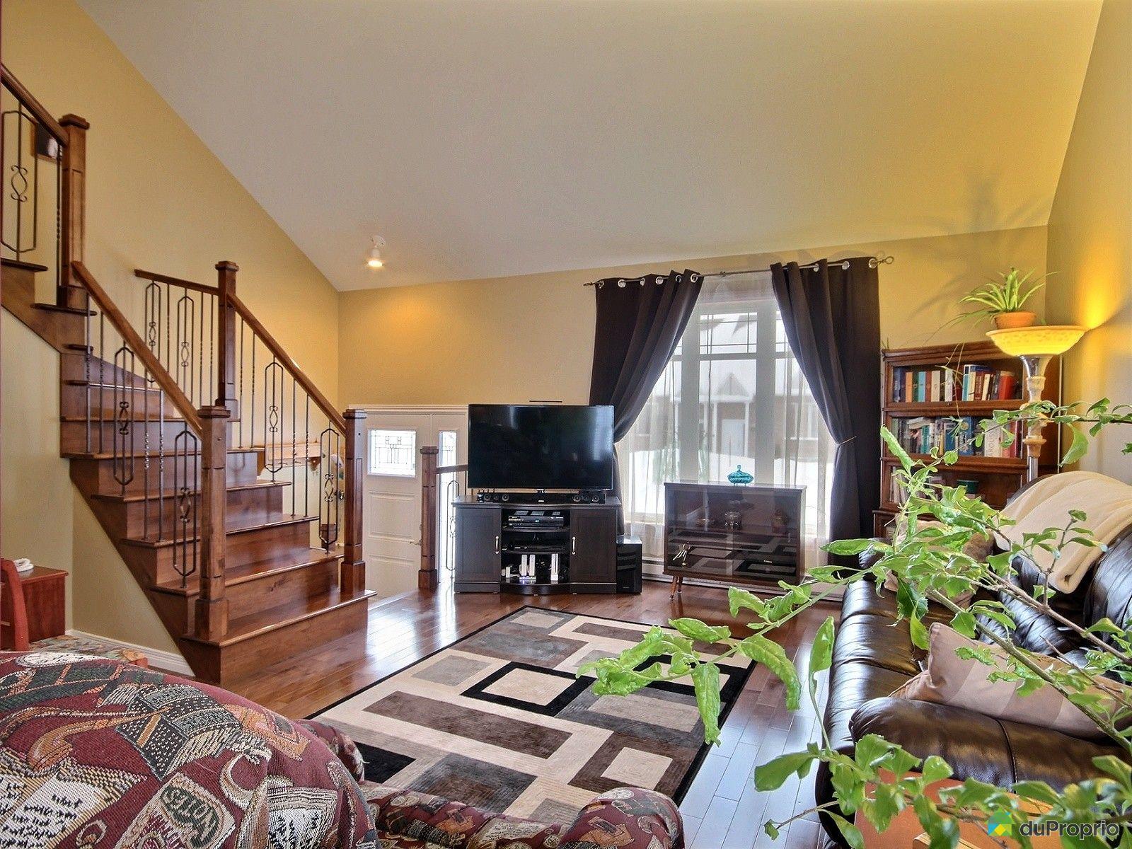 house sold in st mile duproprio 575490. Black Bedroom Furniture Sets. Home Design Ideas