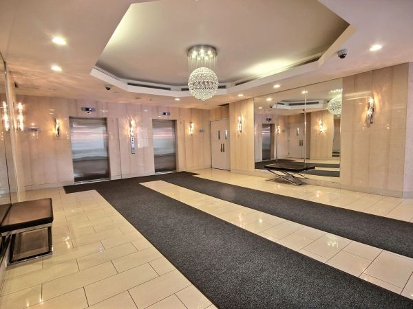 Condo sold in mississauga comfree 705641 for Perfect kitchen mississauga