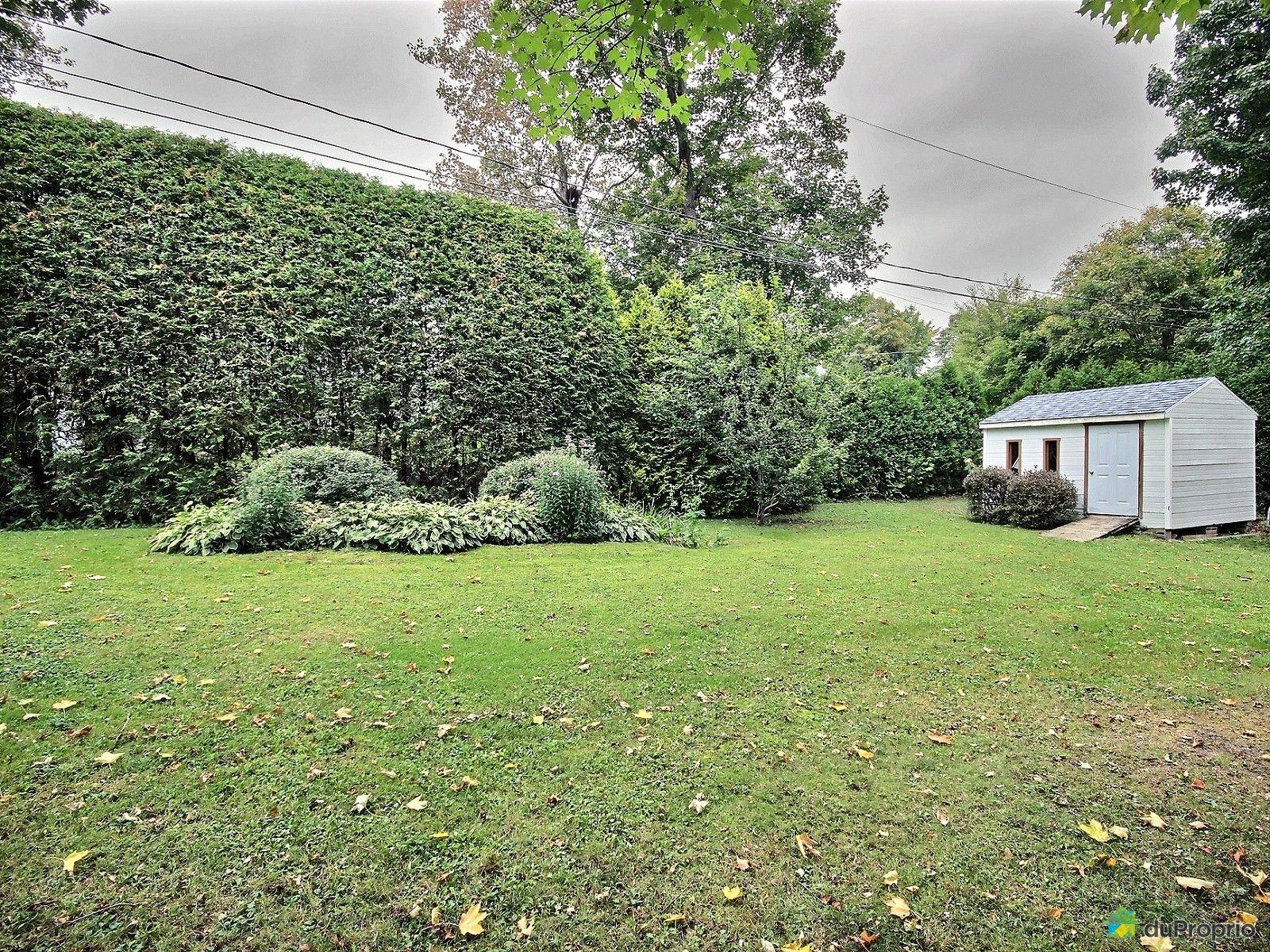 house sold in st mile duproprio 571886. Black Bedroom Furniture Sets. Home Design Ideas