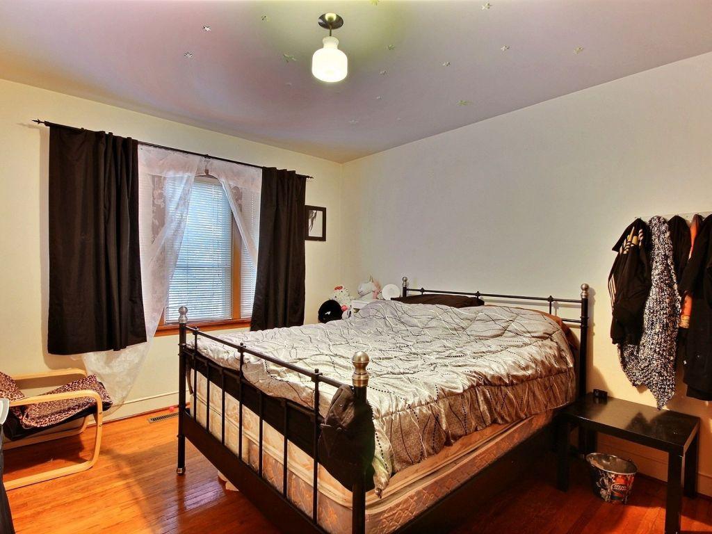 Southwest Bedroom 10751 75 Avenue Nw Edmonton Southwest For Sale Comfree