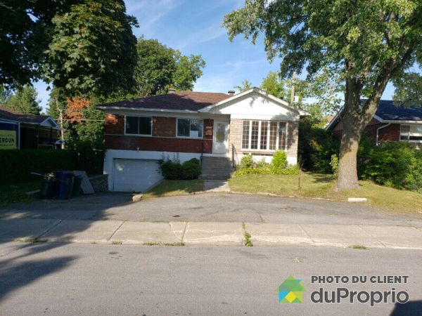 1585 Avenue Lacroix, Chomedey for rent