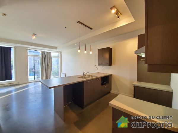 5101 Avenue Eliot, Chomedey for rent