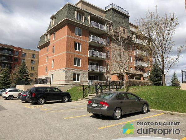 104-3430 boulevard Le Carrefour, Chomedey for rent
