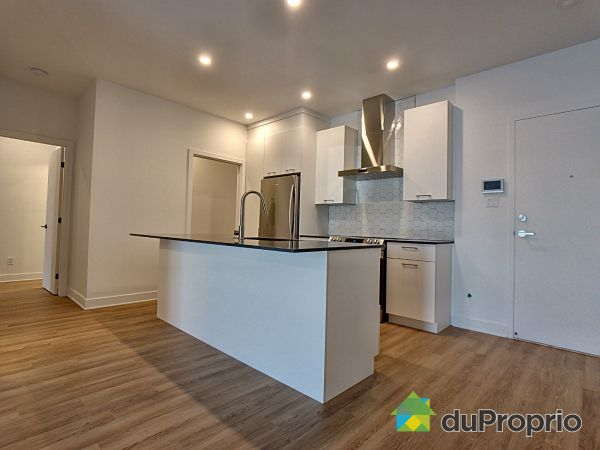 205-8968 rue Airlie, LaSalle for rent